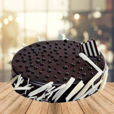 Chocolaty Ghastly circular cake-0