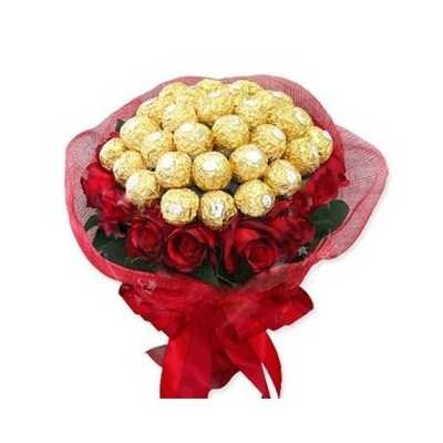 Big Ferraro and Red Roses Bouquet-0