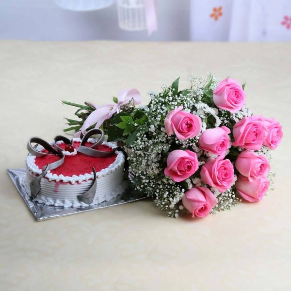 Roses Bouquet with Strawberry Cake-0