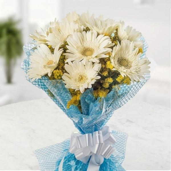 White Gerbera Bouquet-0