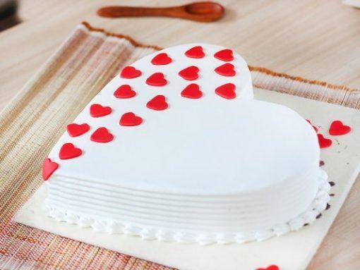 Vanilla heart shape cake-499