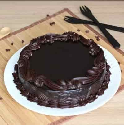 Delicious Simple Chocolate Cake-0